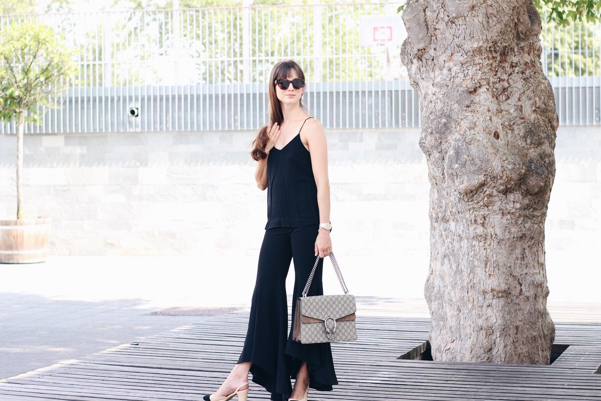 Ich trag meine Schlaghose von Zara kombiniert mit Gucci Bag Céline Sonnenbrille und Chanel Look Alike Pumps
