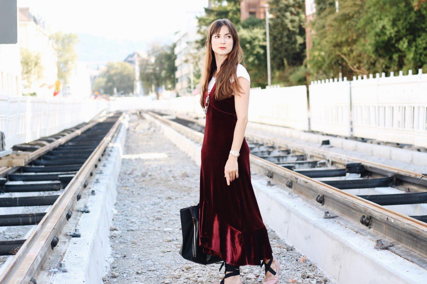 Mein neues Samtkleid heute auf meinem Modeblog
