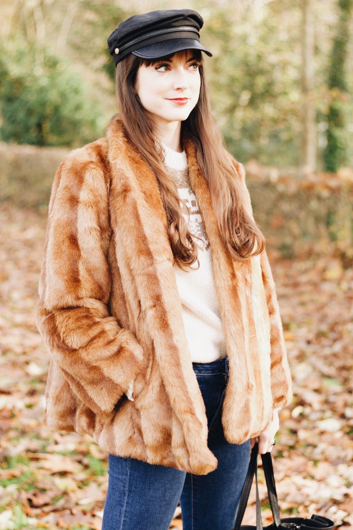 Felljacke und Norwegerpullover kombiniert für meinen Modeblog