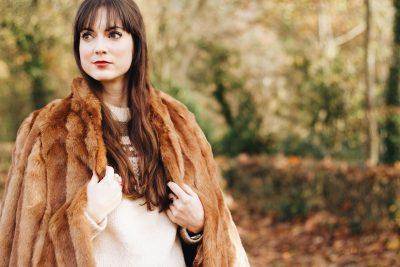 Eine Fake Fur Jacke kombiniert mit Norwegerpullover für meinen Modeblog