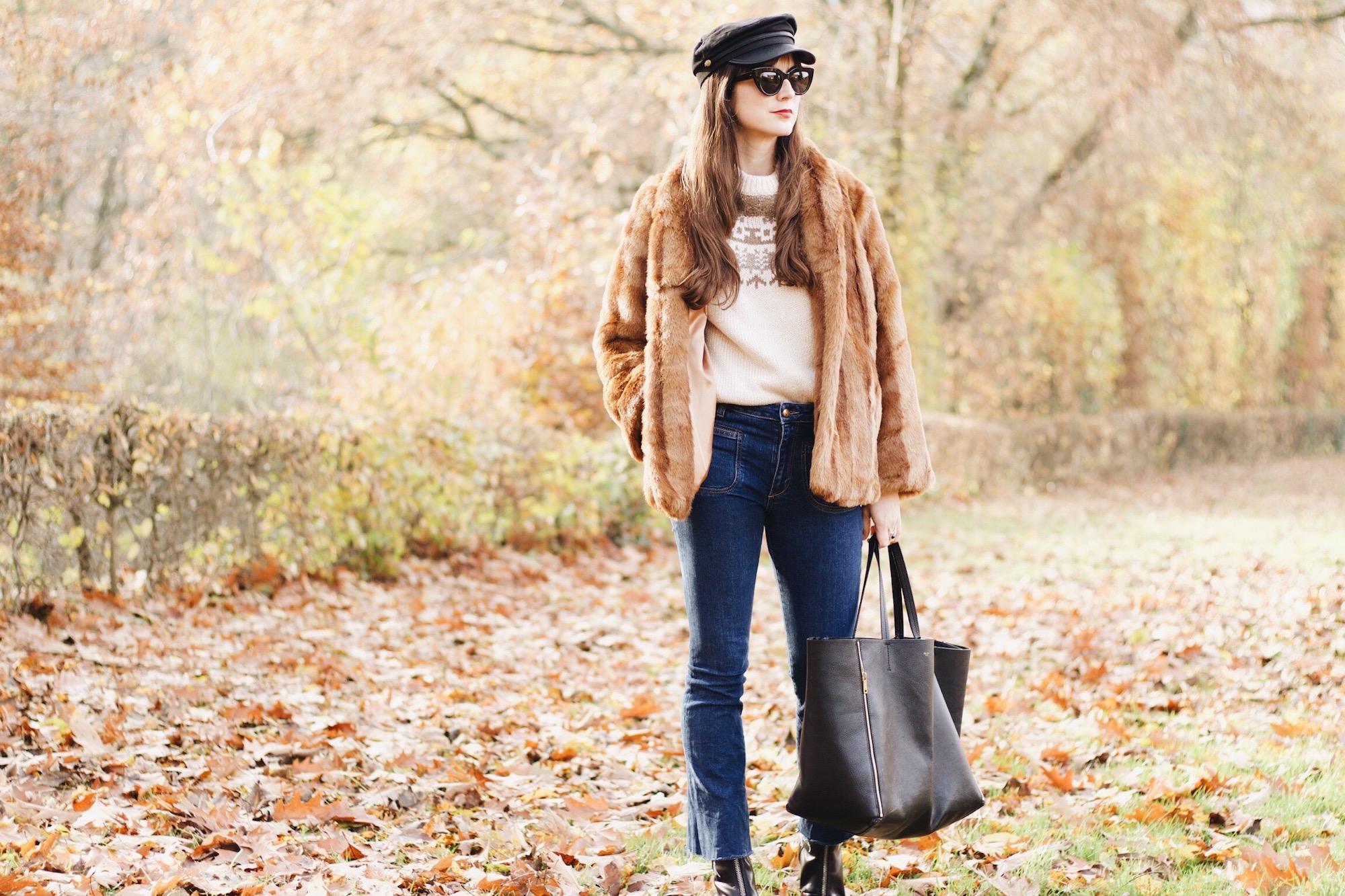 Modeblog Outfit Fake Fur Felljacke Céline Cabas Bag und Kick Flare Jeans sowie Norwegerpullover