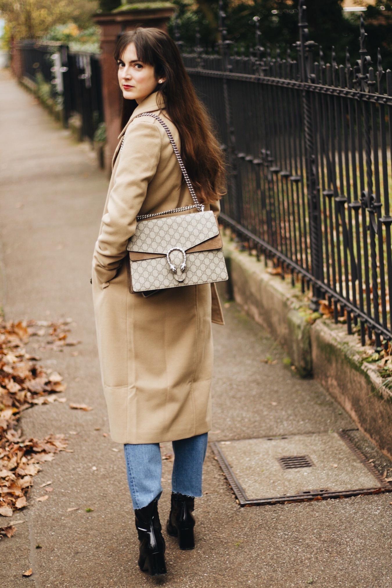 Modeblog Outfitpost mit Trenchcoat von Edited und Gucci Dionysus Bag