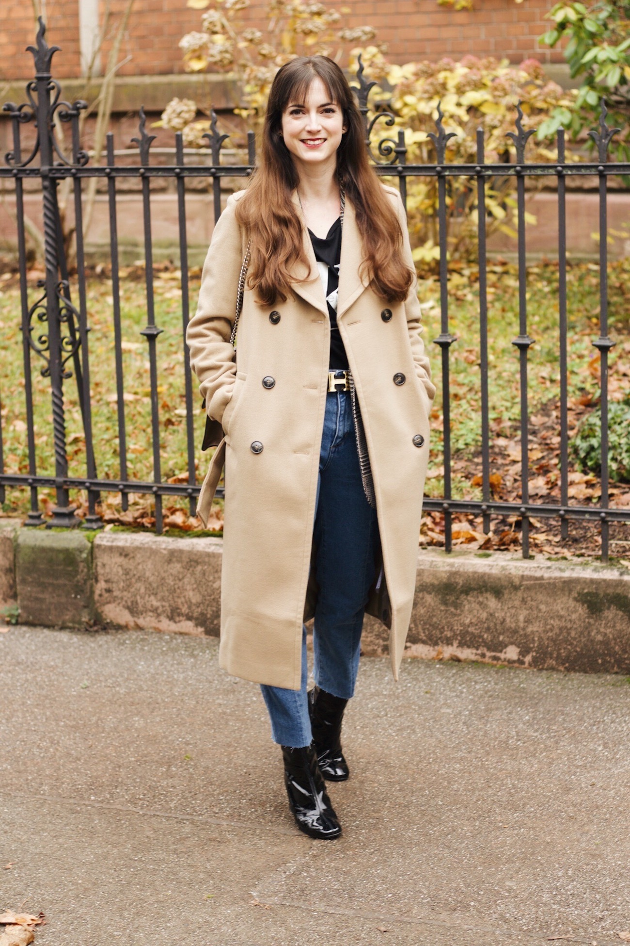 Modeblog Modetrends mit Wintermantel von Edited Camelcoat und Gucci Dionysus Bag