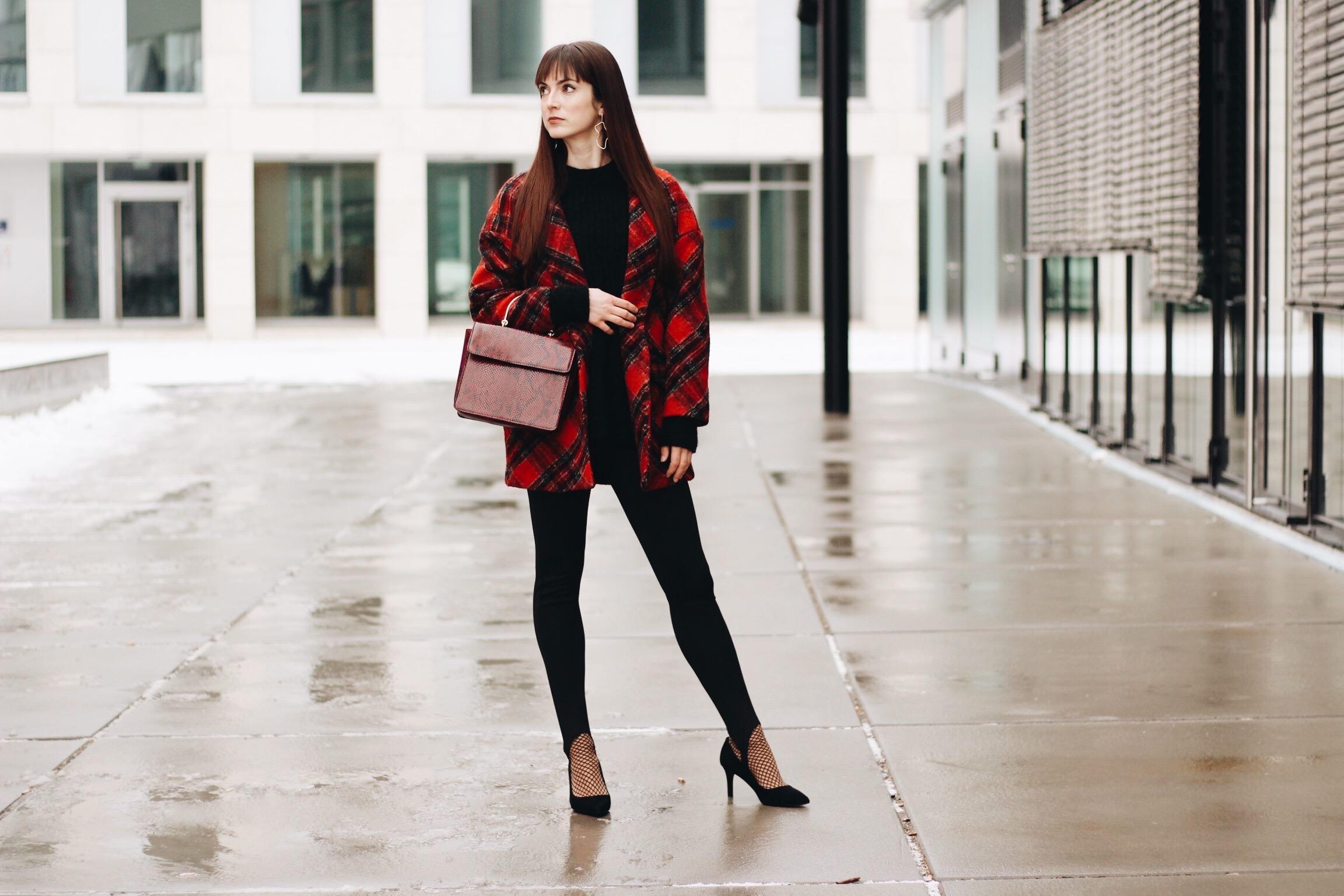 Mein neuer Karomuster Mantel von Mango auf meinem Modeblog