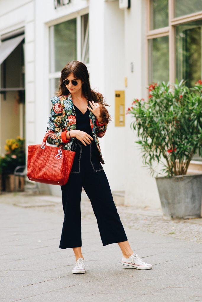 rayban-sonnenbrille-outfit-dior-tasche-modetrends