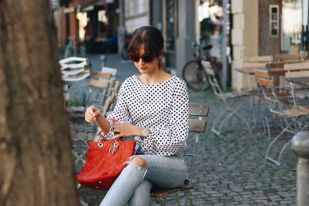 dior-handtasche-rot-blogger-outfit