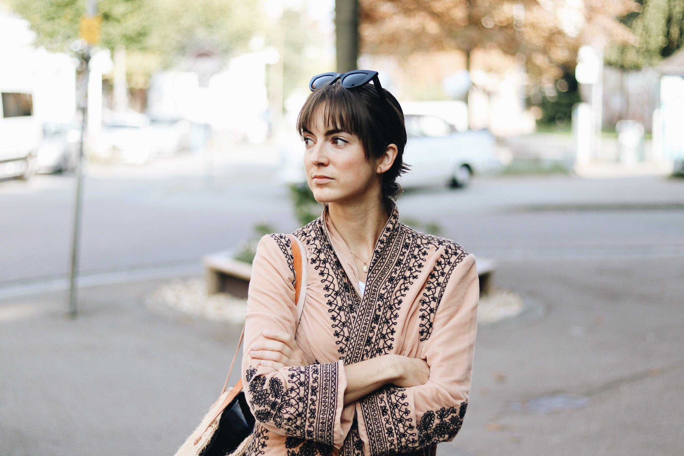 kimono-aus-samt-samtkimono-bloggerin-modetrend-2017-Herbst-Winter