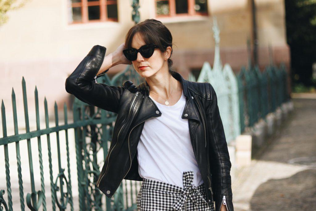 lederjacke-kombinieren-schwarz-blog-outfit-ideen