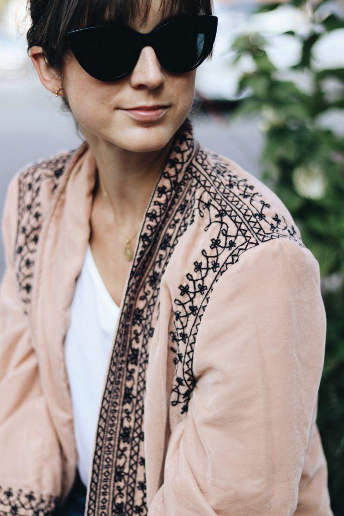 samt-kimono-jacke-aus-samt-trend-outfit