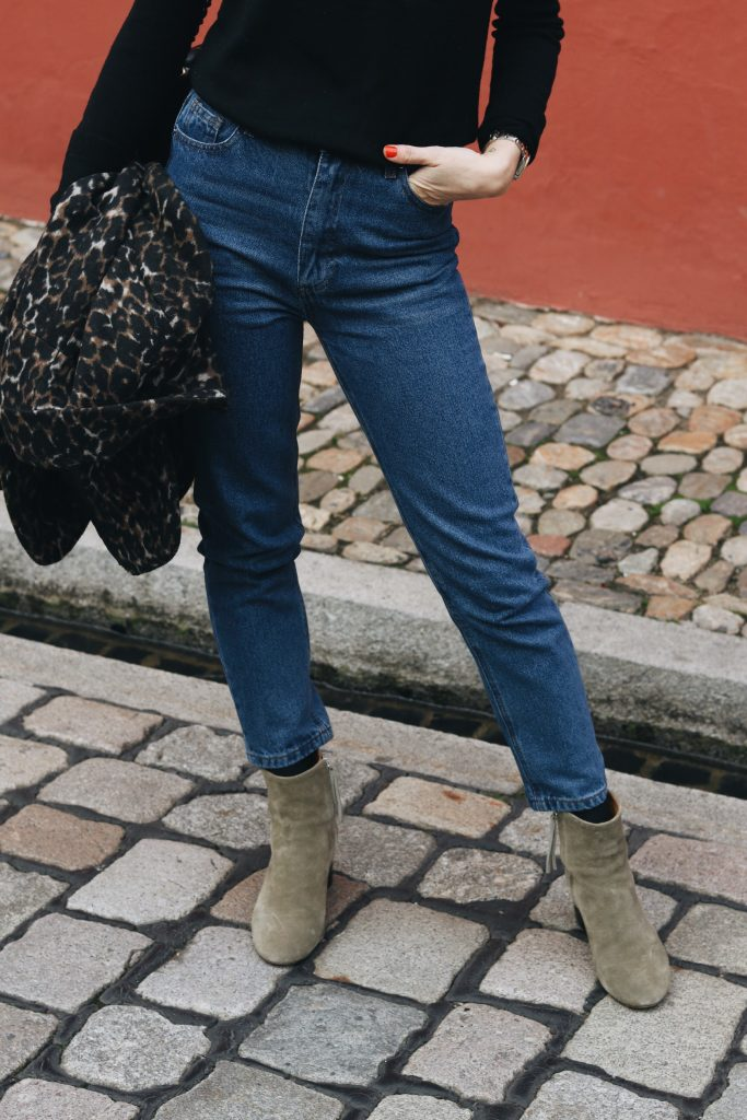 Isabel Marant Booties Mom Jeans Outfit Post Blog