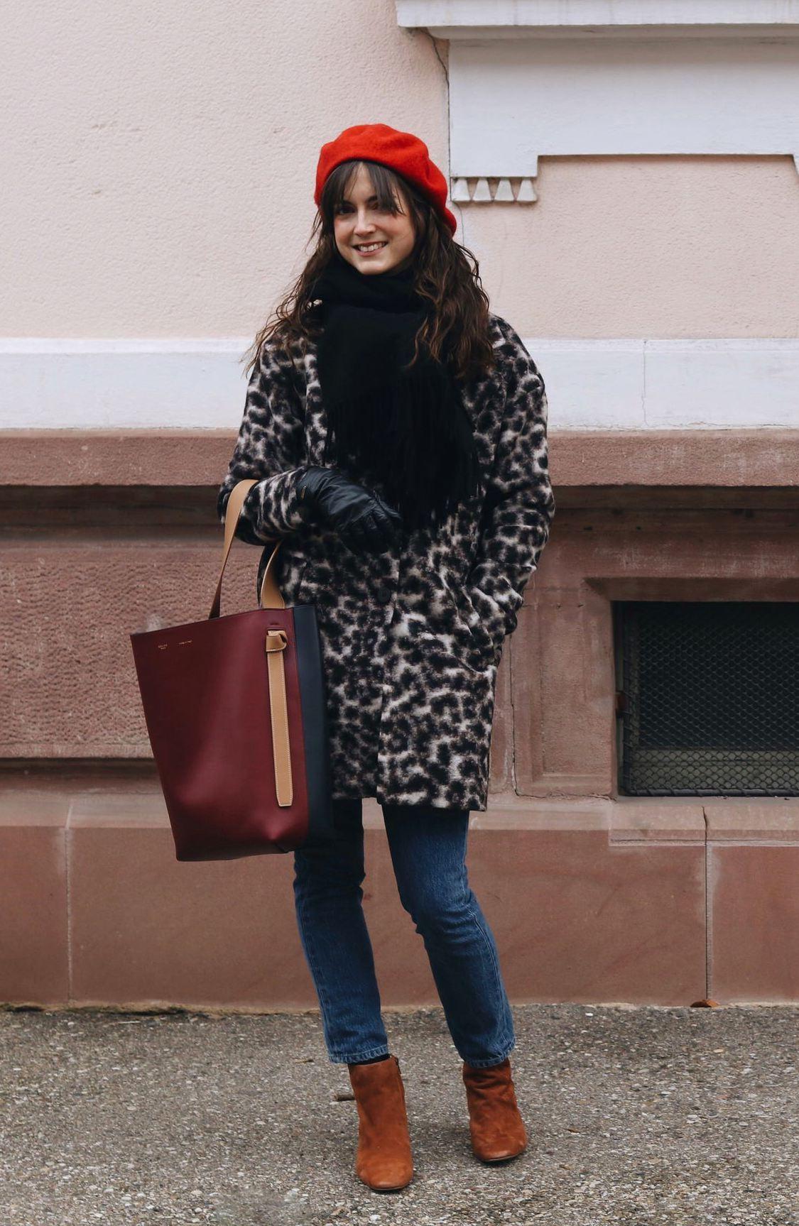 Outfit Post Mode Blog Leomantel Celine Tasche Stiefeletten Neele Bloggerin