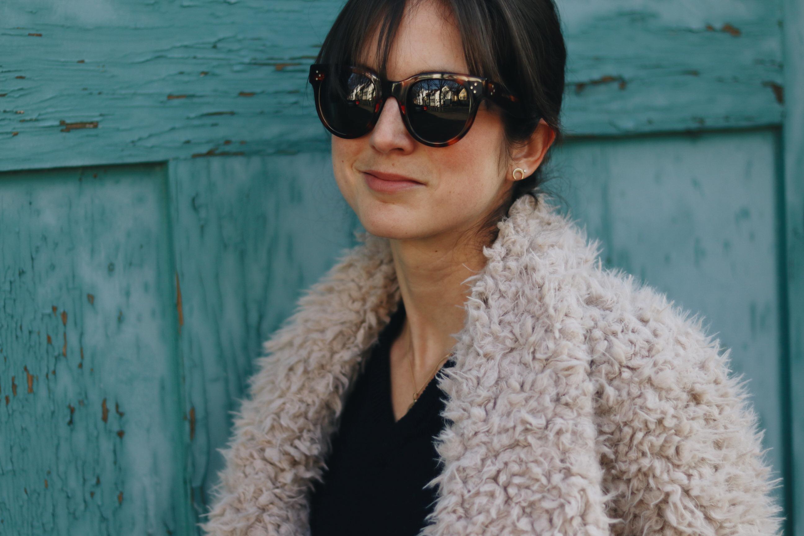 Fake Fur Jacke Winter Look Outfit Celine Sonnenbrille Freiburg Blog