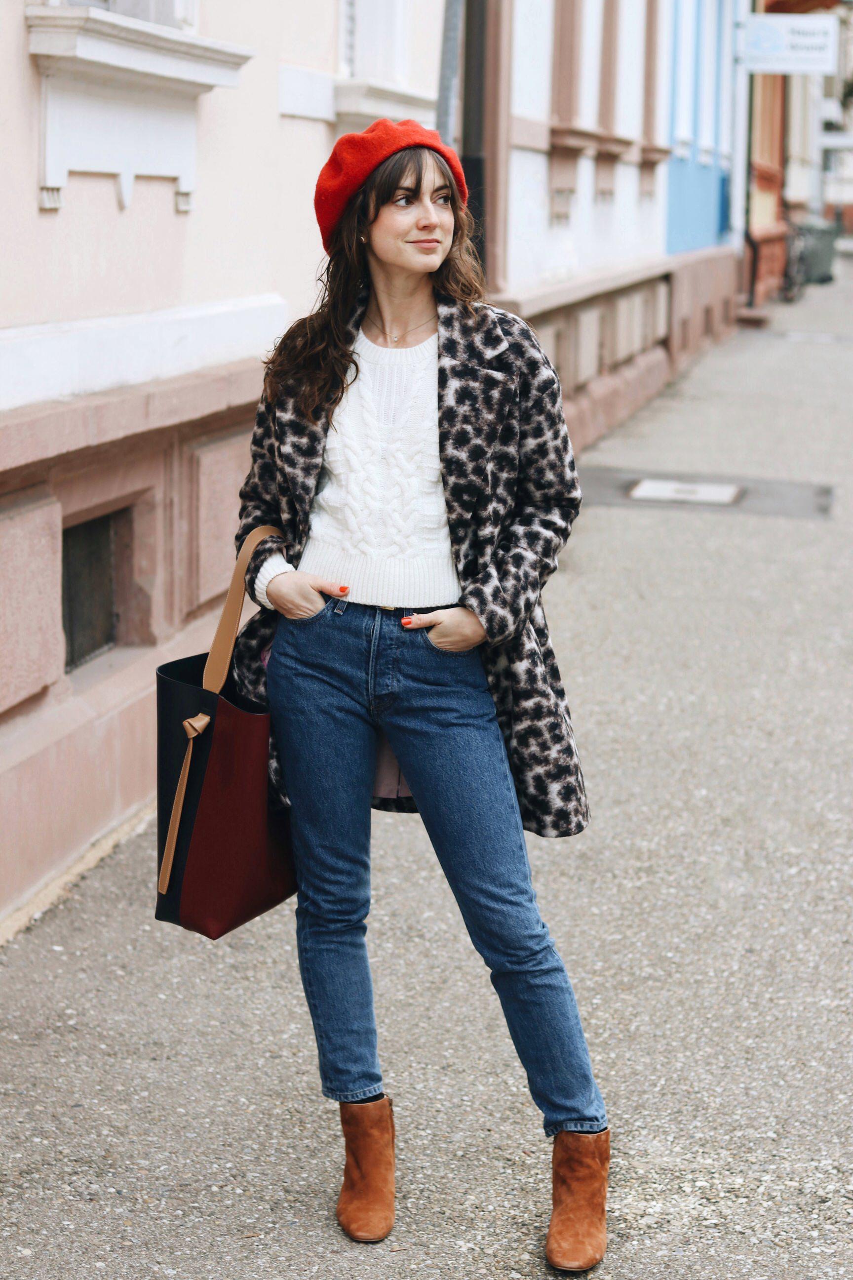 Modebloggerin Modeblog Fashionblog Mom jeans Leomantel cropped Jeans Celine Tasche