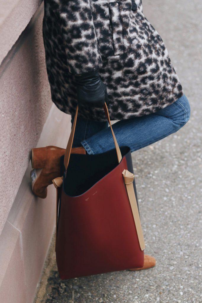 Mom Jeans kombinieren winter kaufen celine Tasche stiefeltten