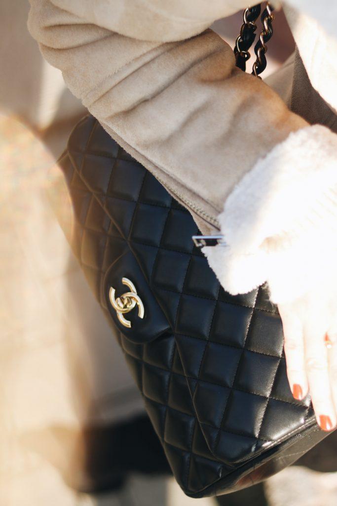 Chanel Tasche kaufen kombinieren Bloggerin Neele
