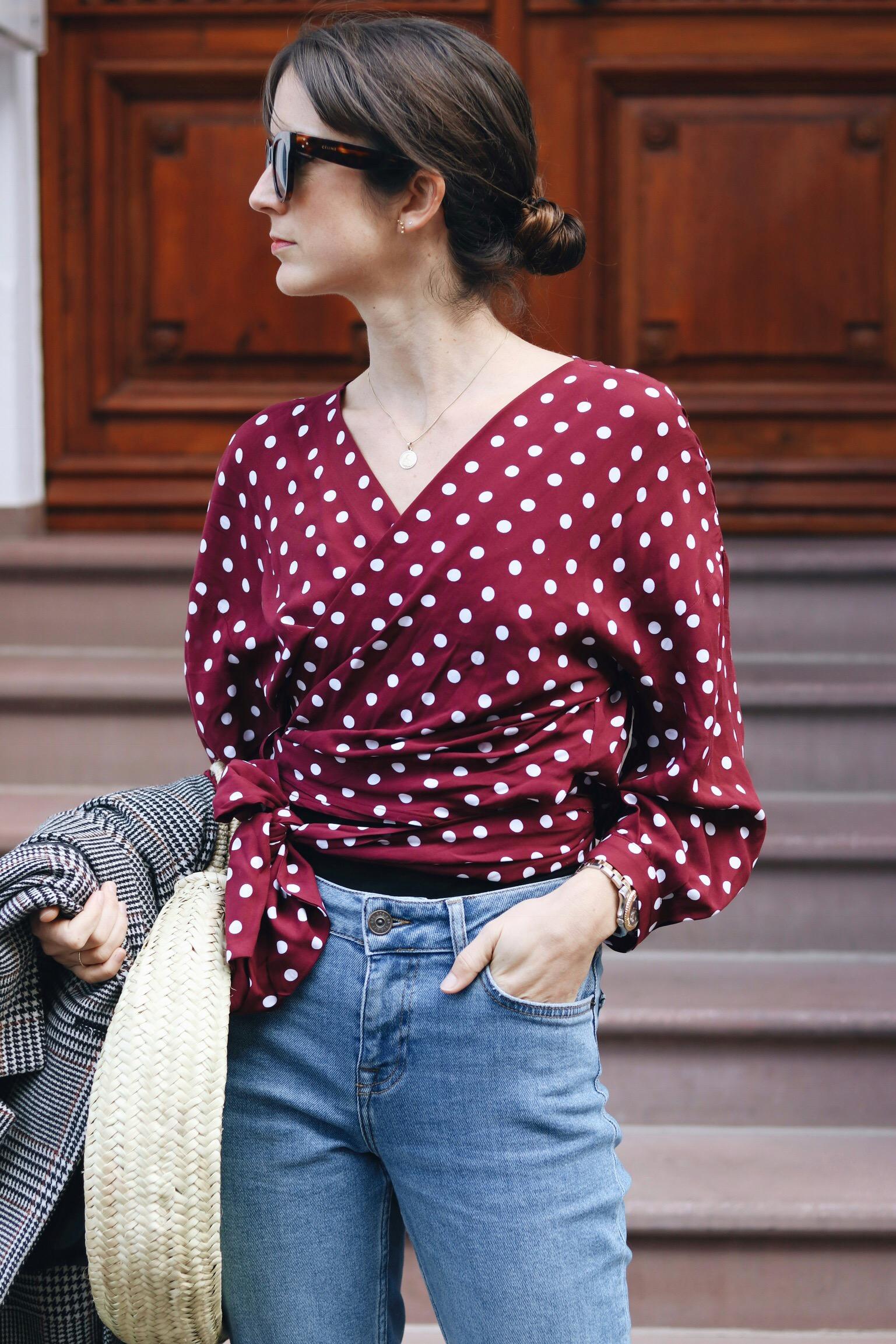 Polka Dots Bluse kombiniert mit Karomuster auf meinem Modeblog