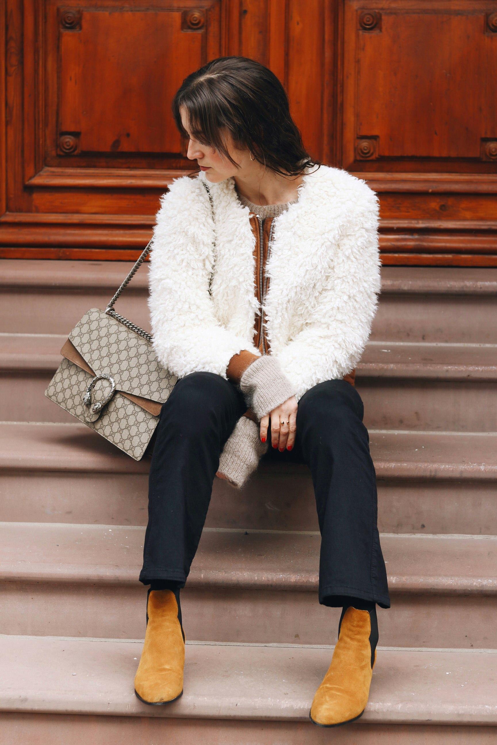 Modeblog Outfit Modebloggerrin NEele Fake fur Jacke kombinieren kick flare hose Gucci Dionysus Modell kaufen