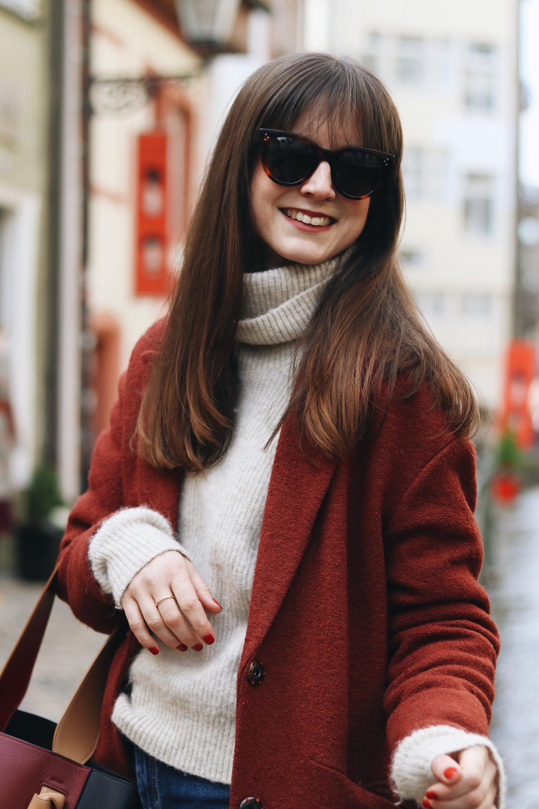 Neele Modebloggerin Freiburg Top 10 Deutschland Modeblog Winter Outfit Streetstyle Wintermantel
