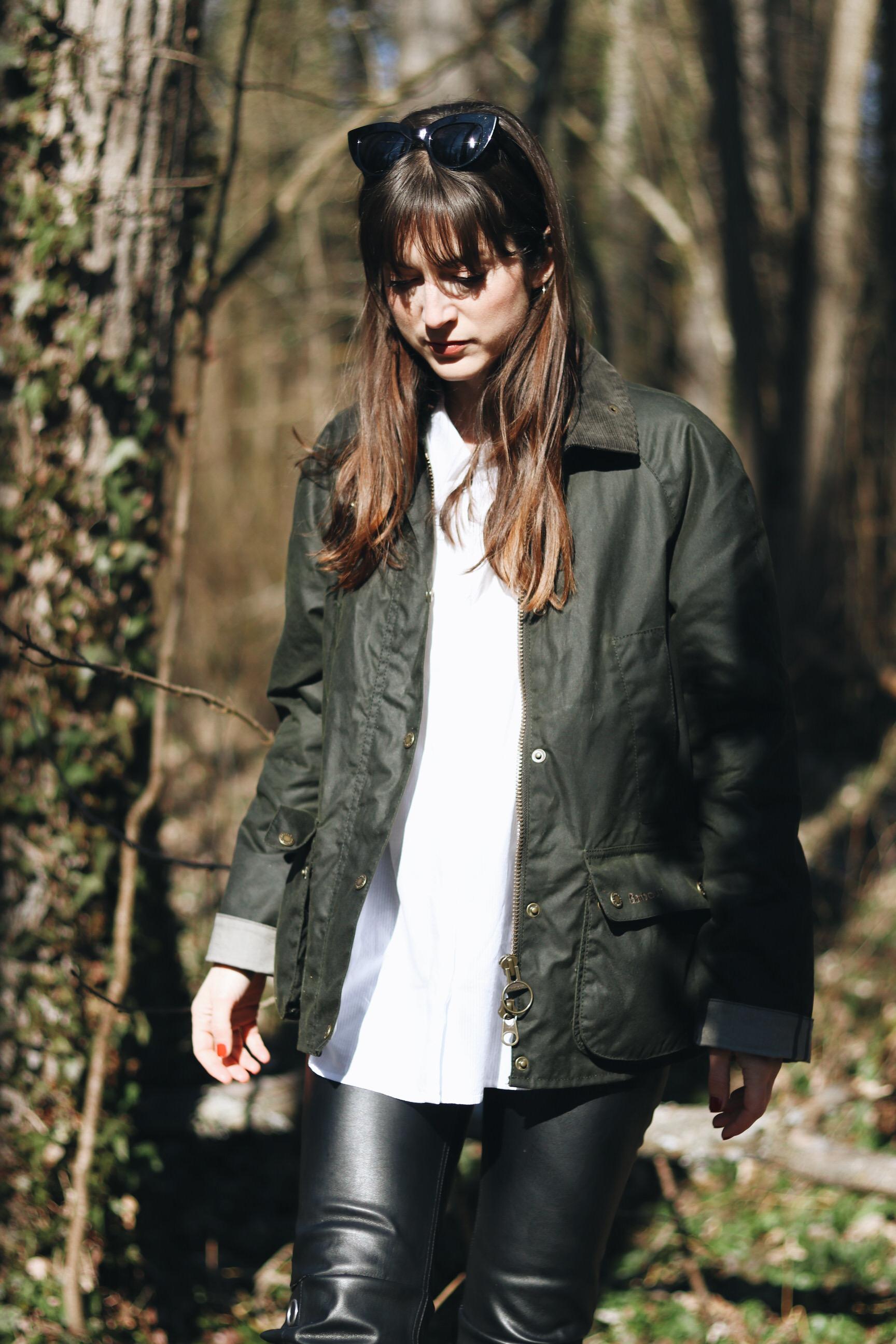 Barbour Jacke Outfit Blog wander wandern Celine Sonnenbrille klassisch gruen