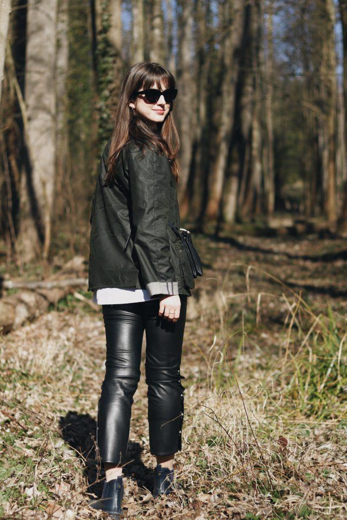 Fruehlingsoutfit Modeblog Blog Barbour Jacket Jacke gruen Klassiker Look Gummistiefeletten Celine Sonnenbrille