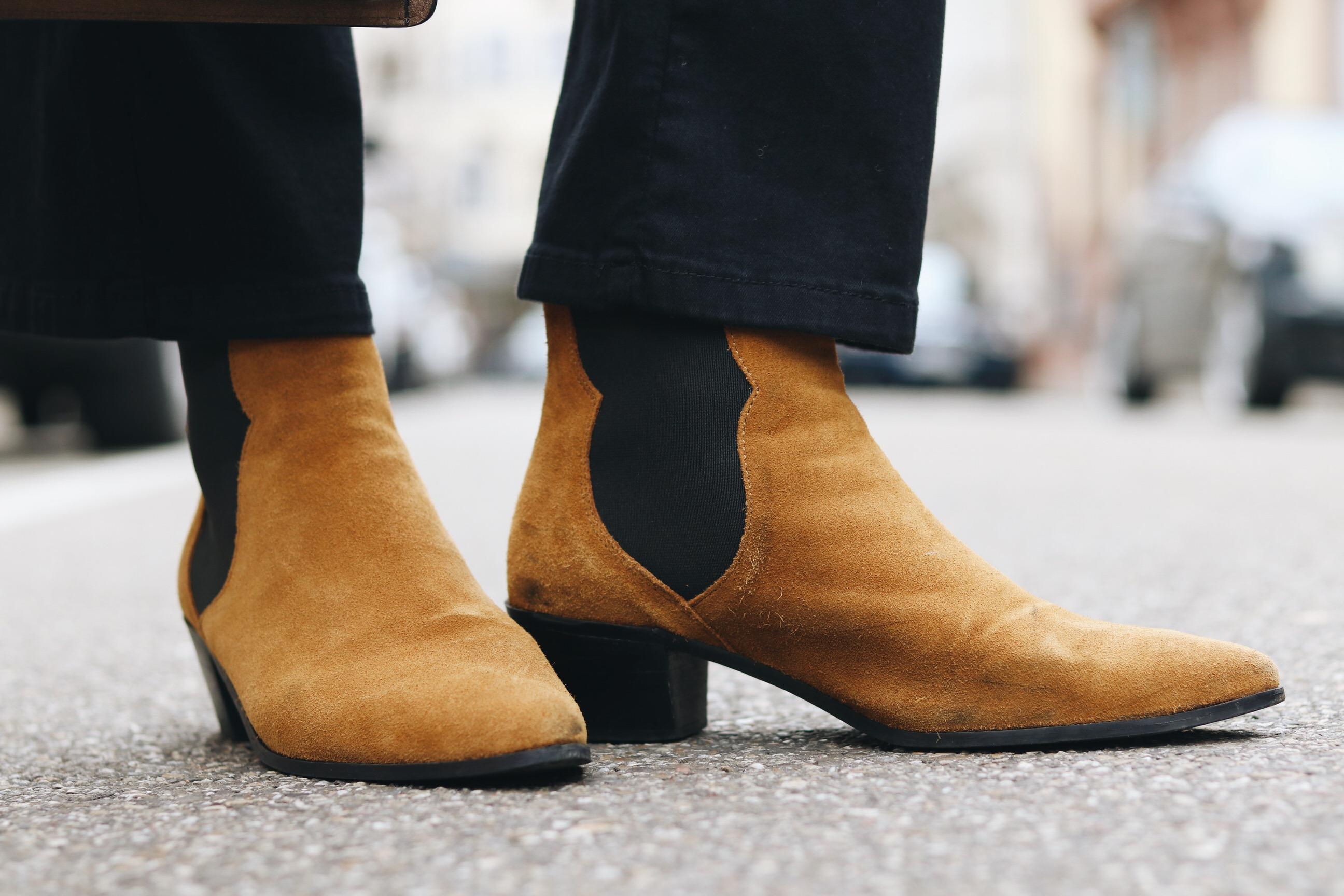Wildleder Schuhe Blog Modeblog Braun Stiefeletten kombinieren Outfit Fashionblog