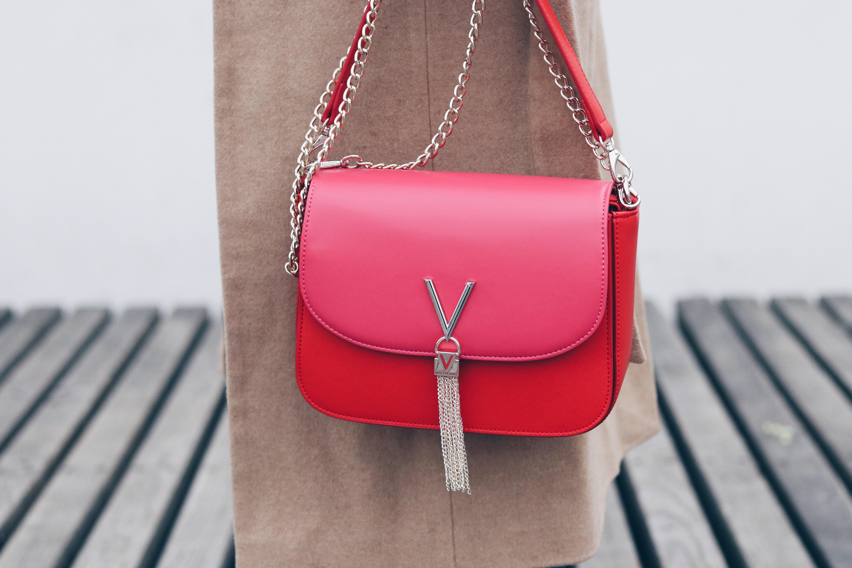 Handtaschentrends 2018 auf meinem Modeblog Two Tone Bag Valentino