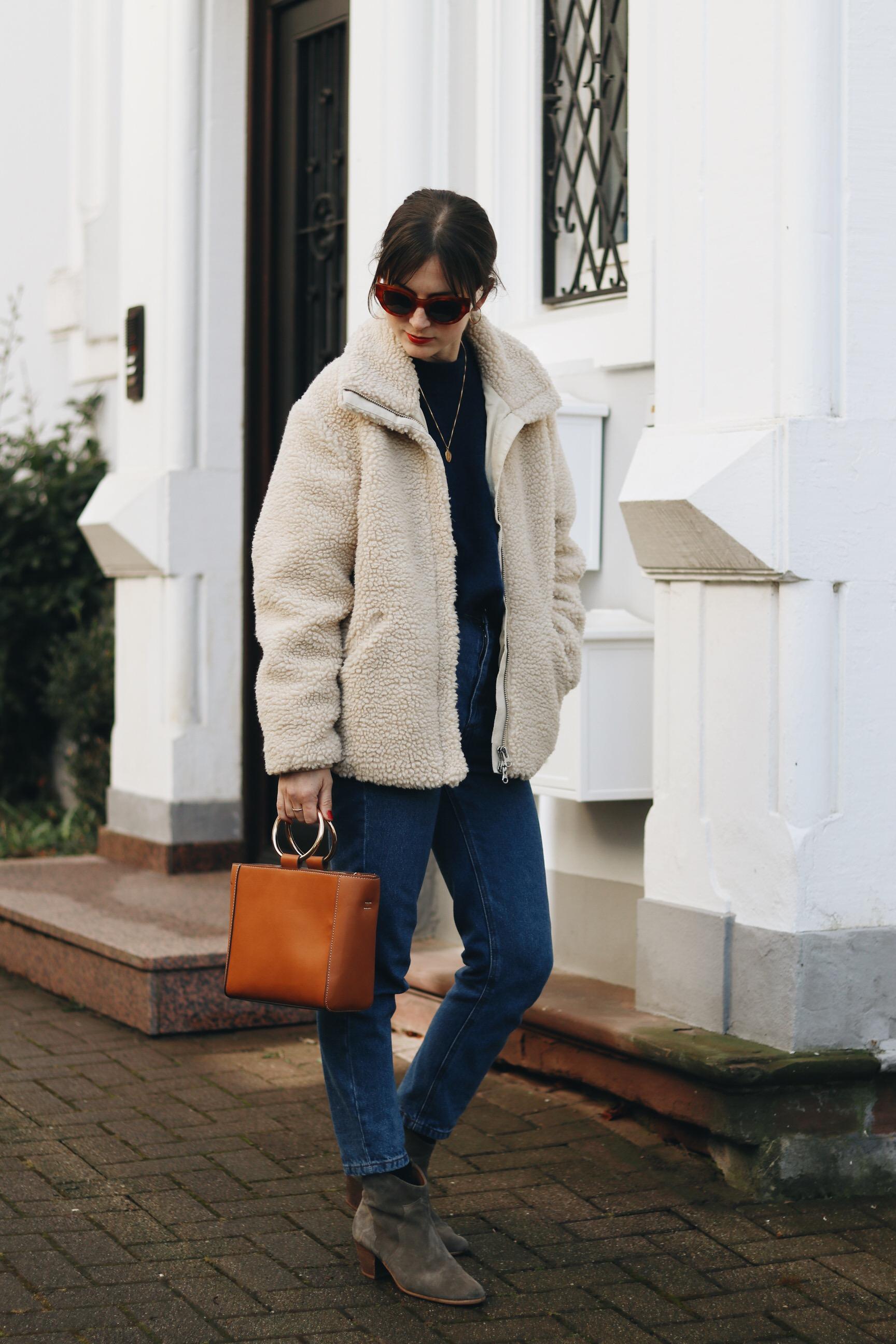 Modebloggerin Outfit Streetstyle Winter Ring Bg Henkeltasche Celine Sonnenbrille