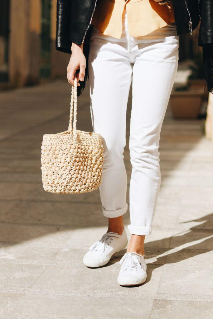 all white Look Modetrends Korbtasche Blog Trends