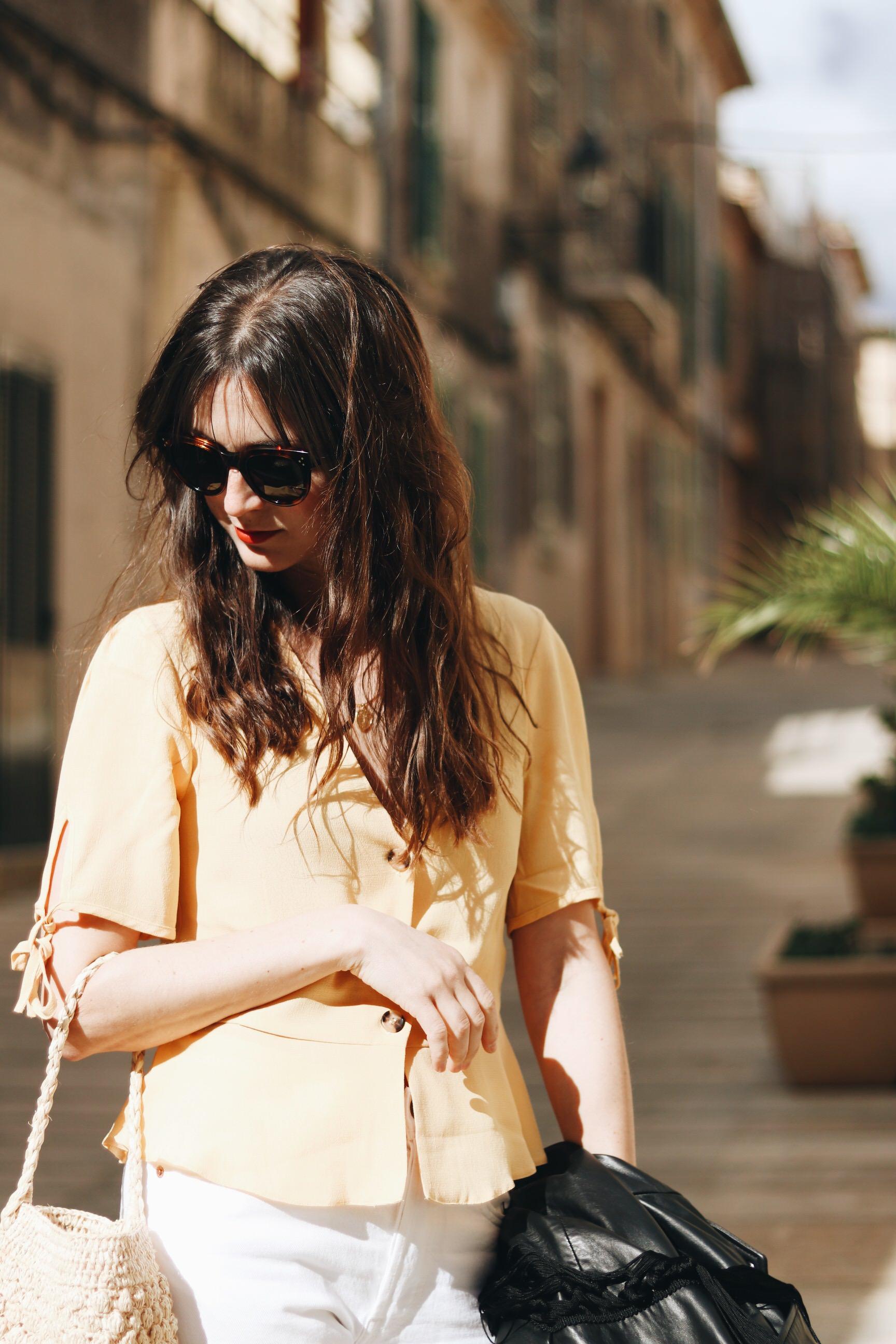 gelbes Oberteil kaufen kombinieren Modebloggerin Outfit Fashionblog