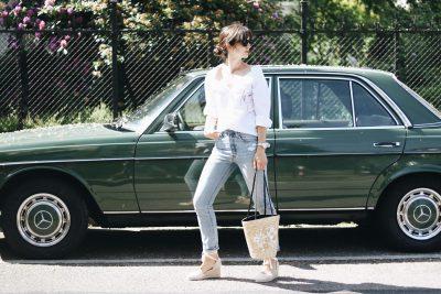 Korbtasche Mom Jeans und Off Shoulder Bluse auf meinem Modeblog