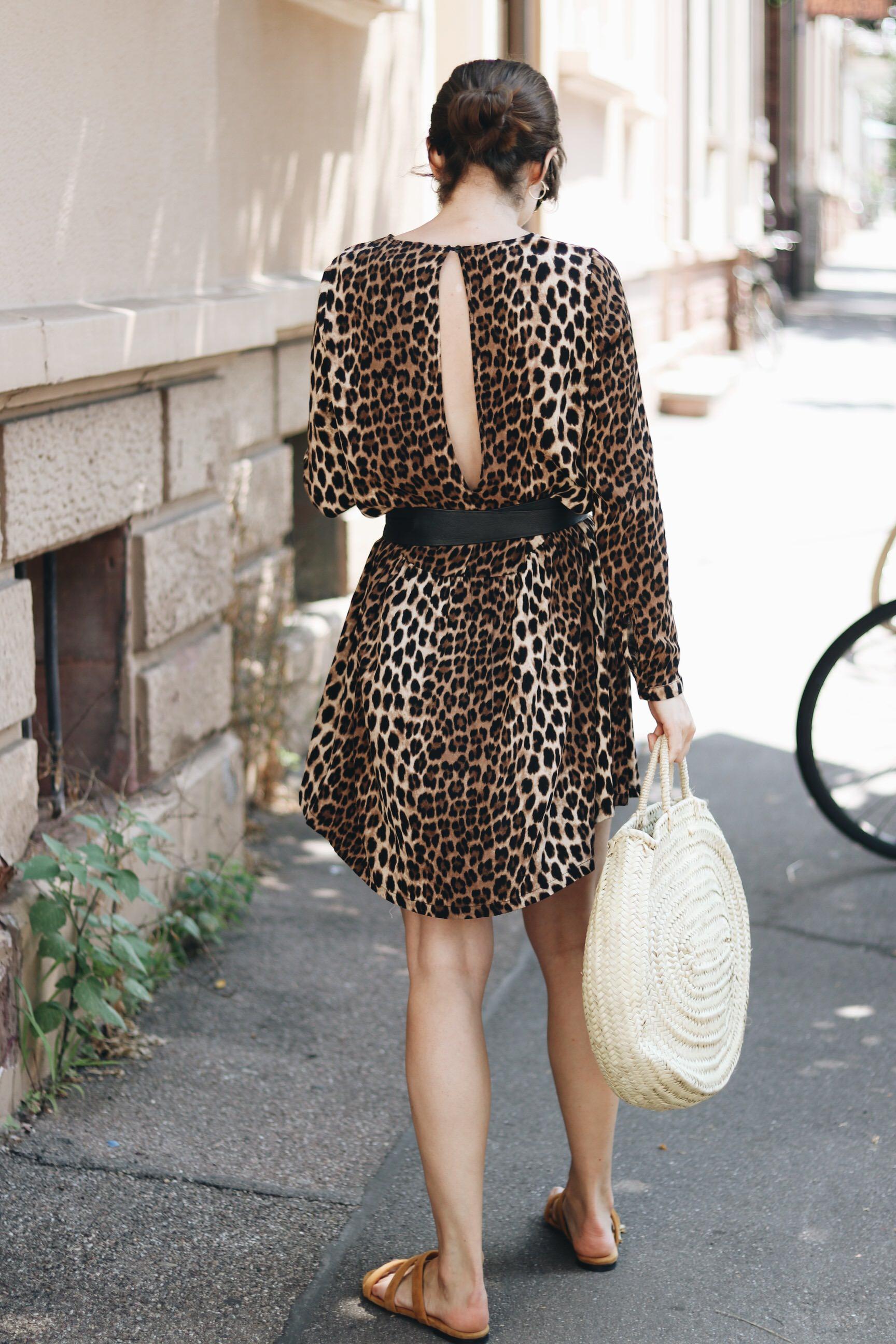 Leoprint Sommerkleid Outfit Blog Mode Modetrends Sommer