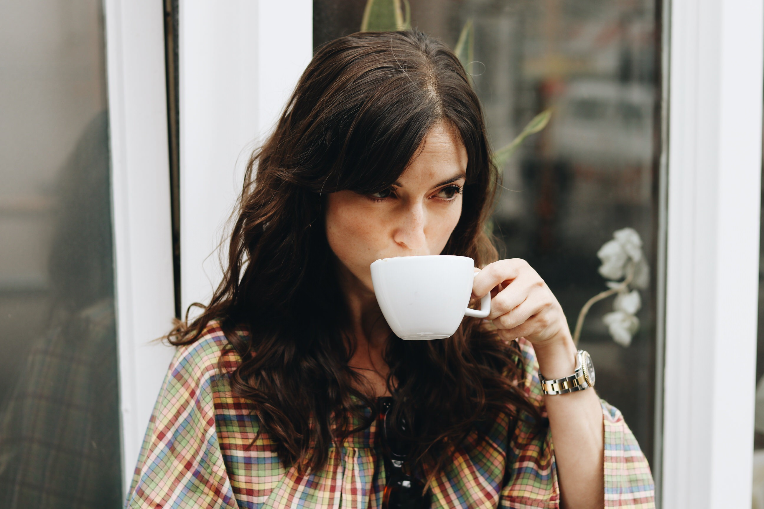 Neele Modebloggerin Freiburg Kaffee Sommer Outfit Kleid nachhaltig fair fashion
