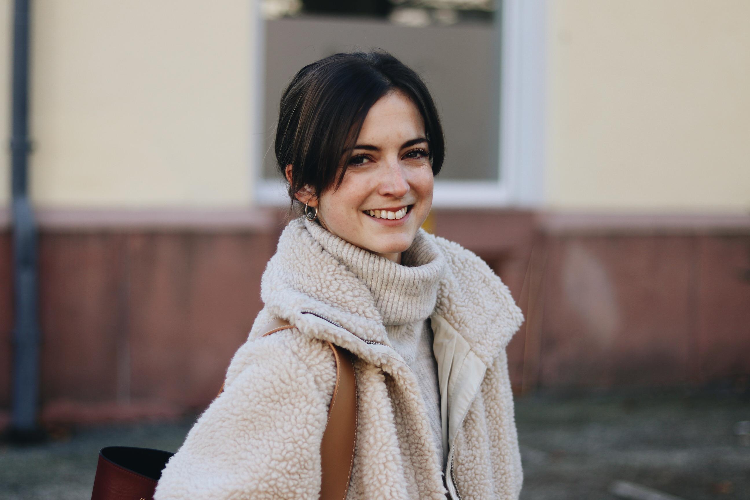 Teddyjacke Modebloggerin Neele Freiburg deutsch Modeblog Top 10 Winter Outfit
